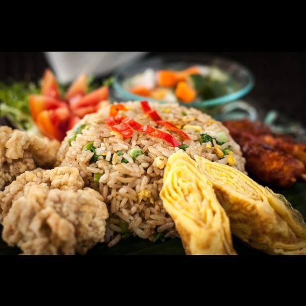 Nasi-Goreng-makanan-indonesia