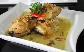 Opor-makanan-indonesia