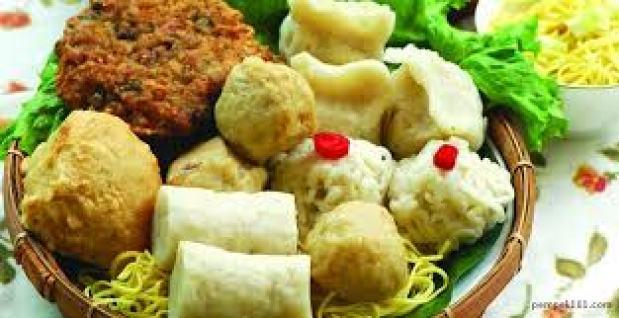 Pempek-makanan-indonesia