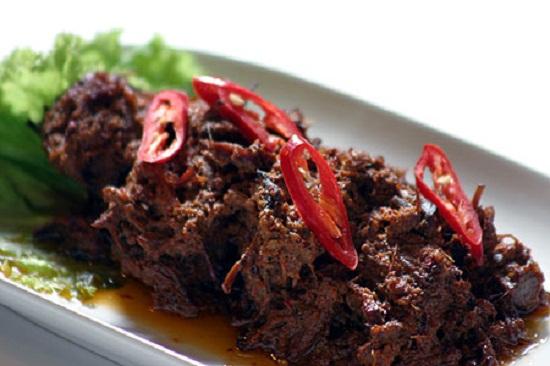 rendang-sapi-pedas-makanan-indonesia