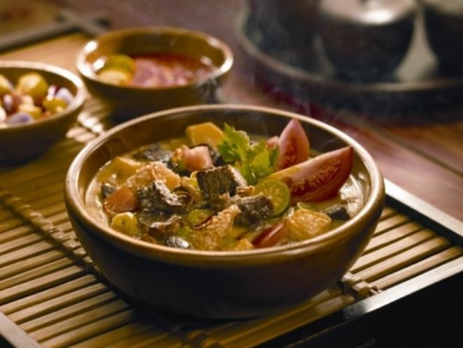 soto-betawi-makanan-indonesia